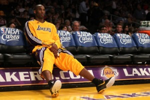 Kobe_Bryant_on_bench